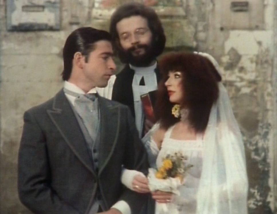 Kate Bush Performing The Wedding List During Christmas Special